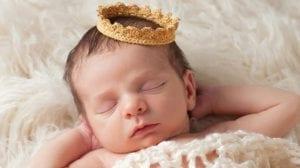 תינוק, נסיך, כתר